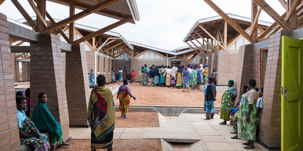 Photo of Maternity Waiting Village, Photo by Iwan Baan, Courtyard and Waiting Space Between Birthing Rooms